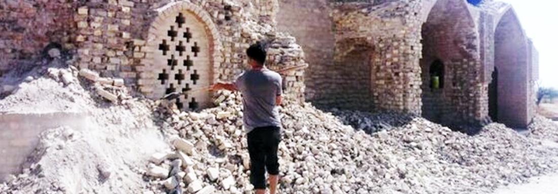 ماجرای تخریب دیوار آرامگاه یعقوب لیث ؛ ناجی زبان فارسی از مرگ حتمی ، پیمانکار به اشتباه خراب کرد ؛ میراث فرهنگی باز توجیه کرد