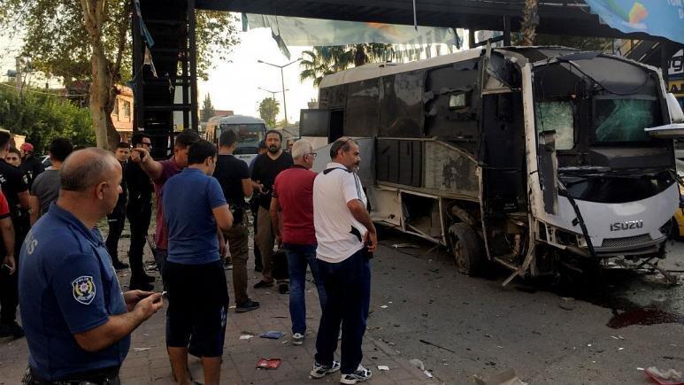 ترکیه ، تله انفجاری برای اتوبوس نیروهای پلیس 5 زخمی برجای گذاشت