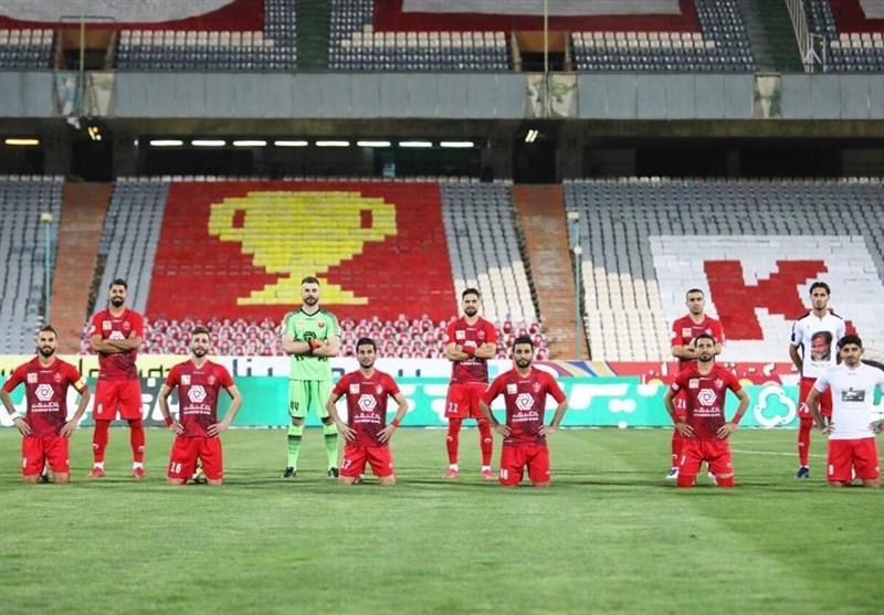 حاشیه دیدار پرسپولیس - شاهین، حضور اسکوچیچ در ورزشگاه، رعایت فاصله اجتماعی در عکس تیمی و صدای تشویق نوروزی