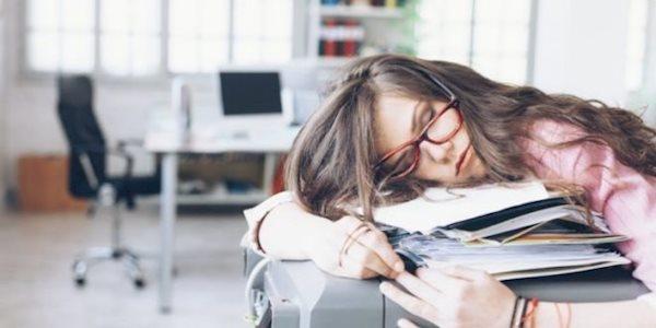 سندروم خستگی مزمن؛ از علائم تا پیشنهادهای درمانی