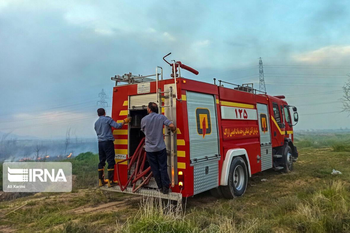 خبرنگاران فرماندار : امکانات دلفان برای مهار آتش سوزی در جنگل ها کافی نیست
