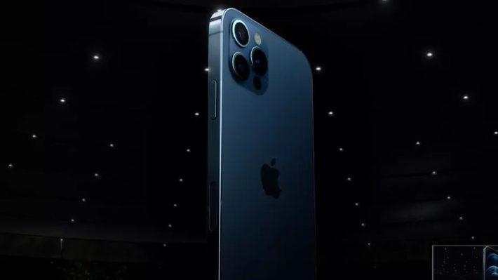 آیفون 12 در برابر آیفون 11؛ آیا موبایل اپل واقعا حرفه ای تر شد؟