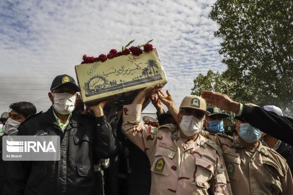 خبرنگاران آیین وداع با پیکر مطهر شهید دوران دفاع مقدس در اهواز و دزفول برگزار گشت