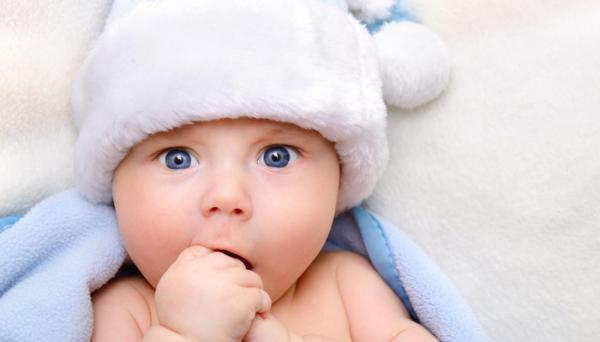 نوزادان از کی می توانند ببینند و رنگ ها را تشخیص دهند؟