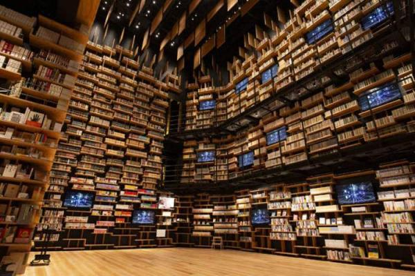 زیباترین پاتوق های کتاب کشور ژاپن، از هتل مانگا تا موزه فرهنگ
