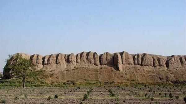 قلعه ایرج پیشوا، صدمین پایگاه ملی میراث فرهنگی کشور